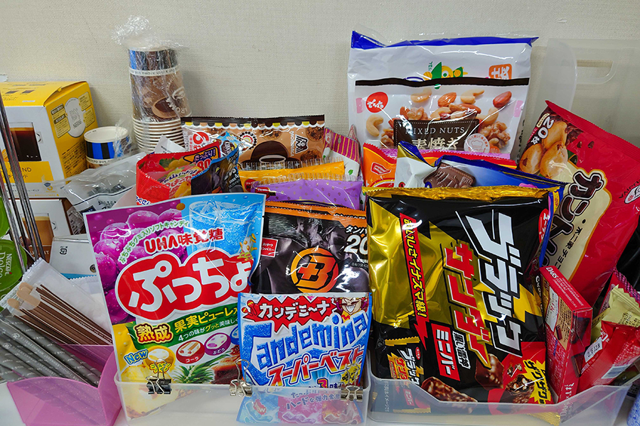 サンエルのオフィス環境_お菓子